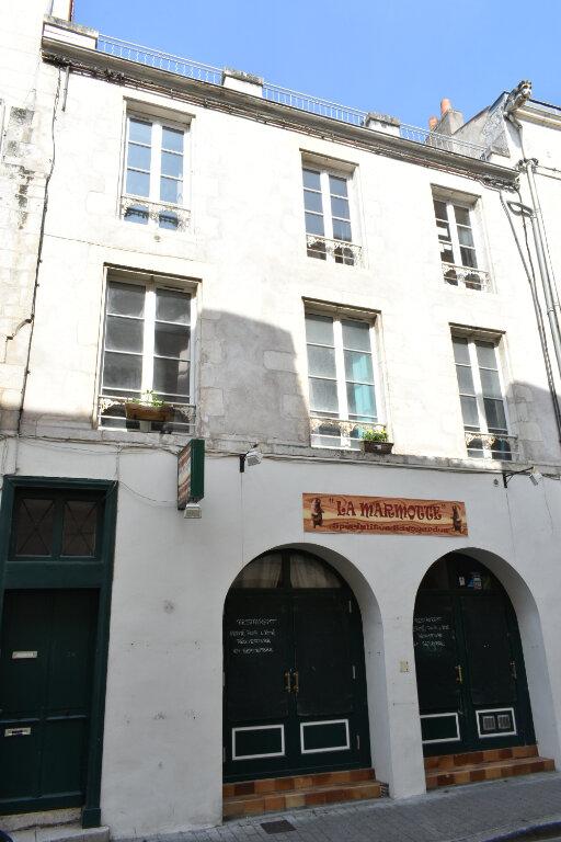 Appartement à louer 1 43.3m2 à La Rochelle vignette-1