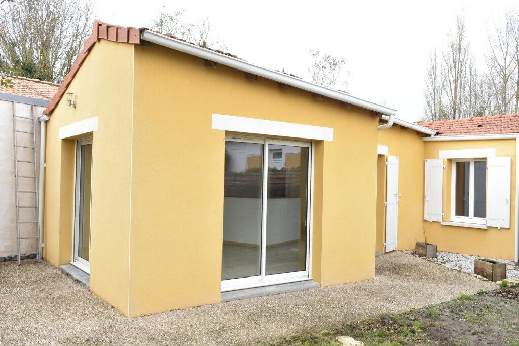 Maison à louer 3 70m2 à Châtelaillon-Plage vignette-1