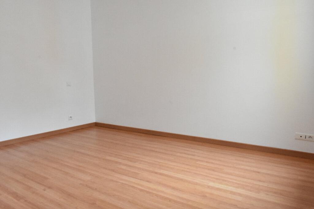 Maison à louer 3 70m2 à Châtelaillon-Plage vignette-3