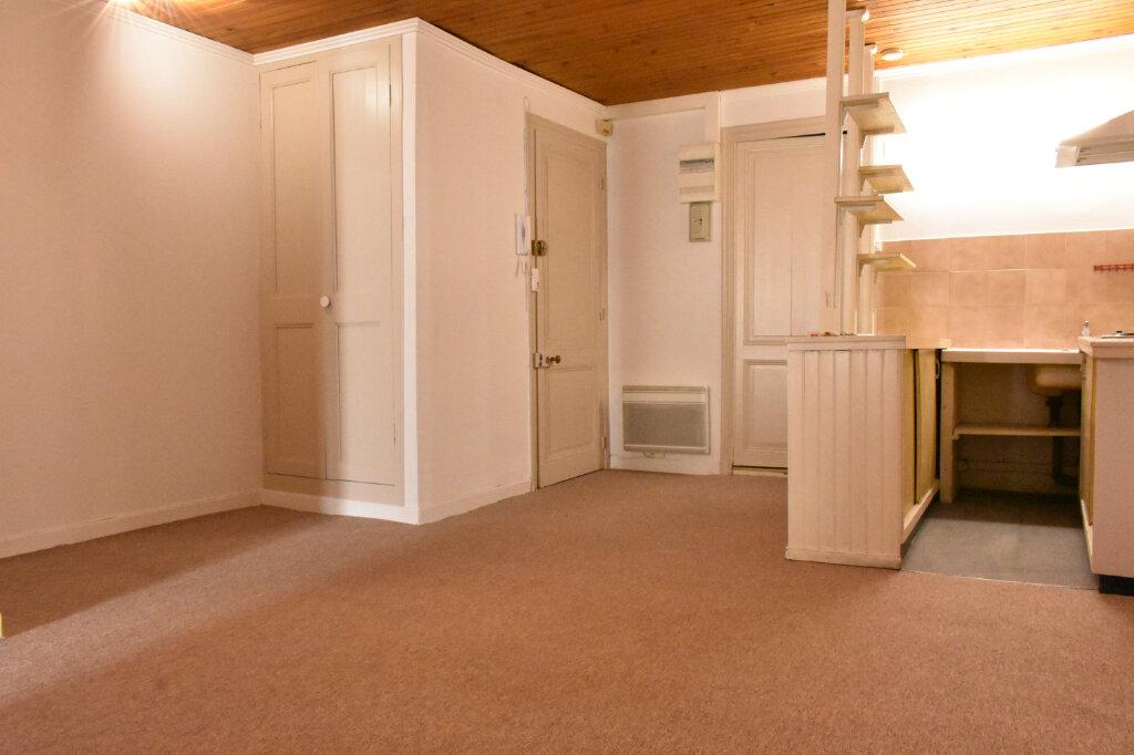 Appartement à louer 1 43.3m2 à La Rochelle vignette-2