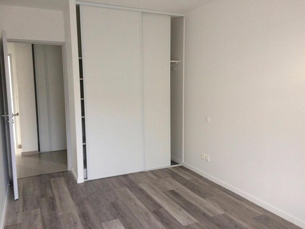 Appartement à louer 3 68.31m2 à Nieul-sur-Mer vignette-4