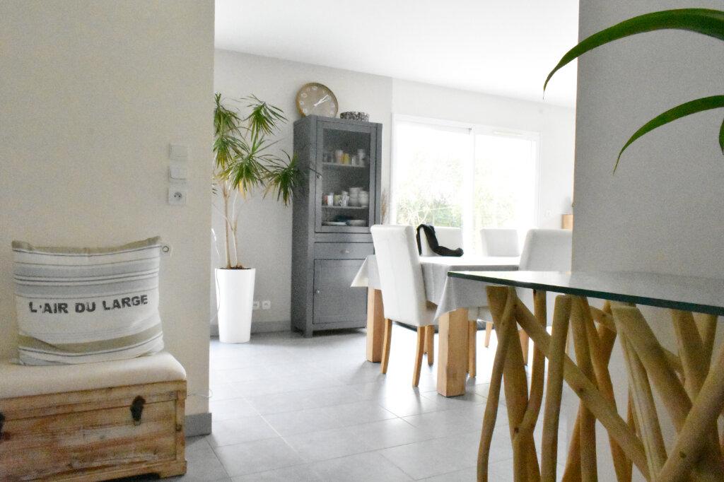 Maison à louer 4 113m2 à La Jarne vignette-2