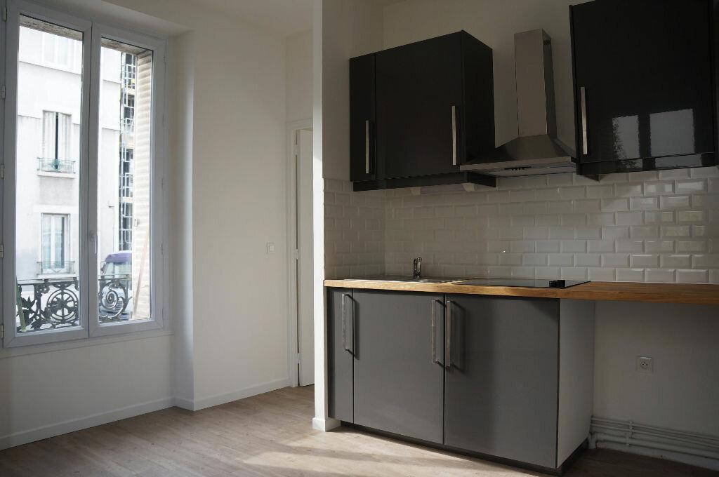 Appartement à louer 2 24m2 à Aubervilliers vignette-1