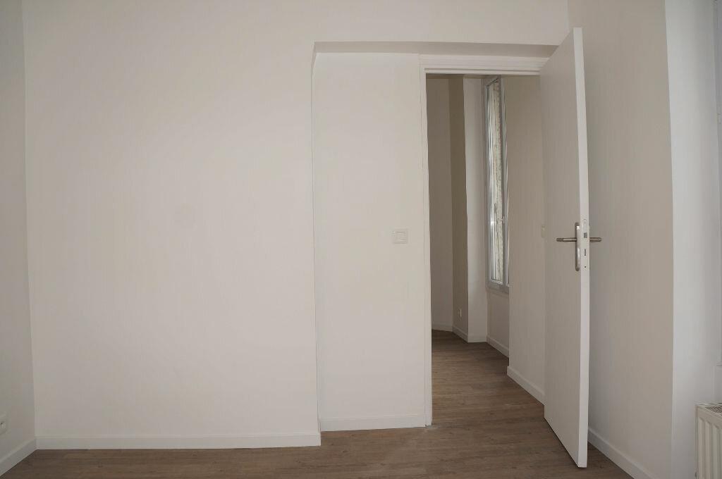 Appartement à louer 2 24m2 à Aubervilliers vignette-3