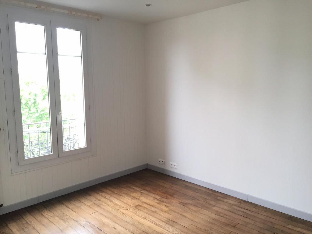 Appartement à louer 1 27m2 à Aubervilliers vignette-1