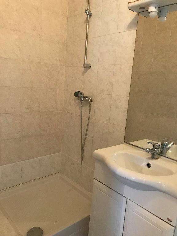 Appartement à louer 2 32.82m2 à Aubervilliers vignette-4