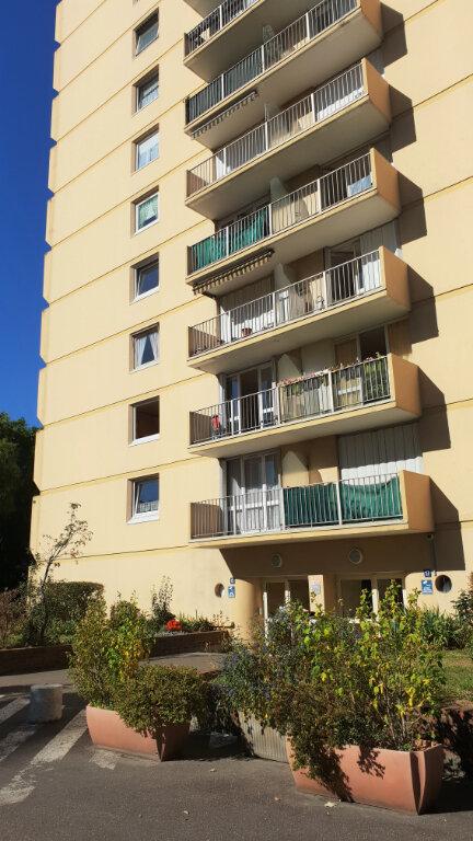 Appartement à vendre 4 84m2 à Saint-Denis vignette-1
