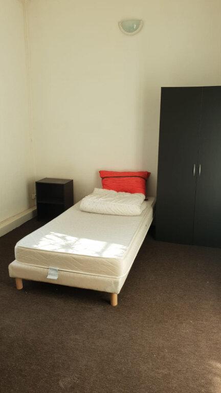 Appartement à louer 1 10m2 à Pierrefitte-sur-Seine vignette-2