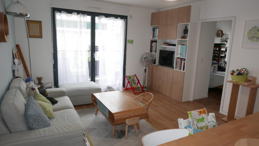 Appartement à vendre 4 81.24m2 à Aubervilliers vignette-2