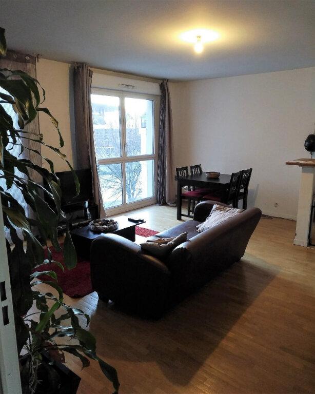 Appartement à louer 2 47m2 à Saint-Denis vignette-1