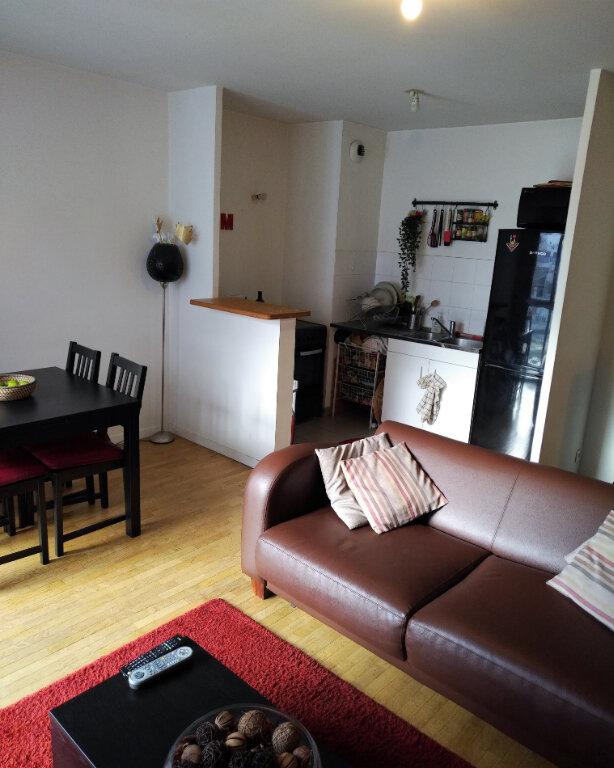 Appartement à louer 2 47m2 à Saint-Denis vignette-3