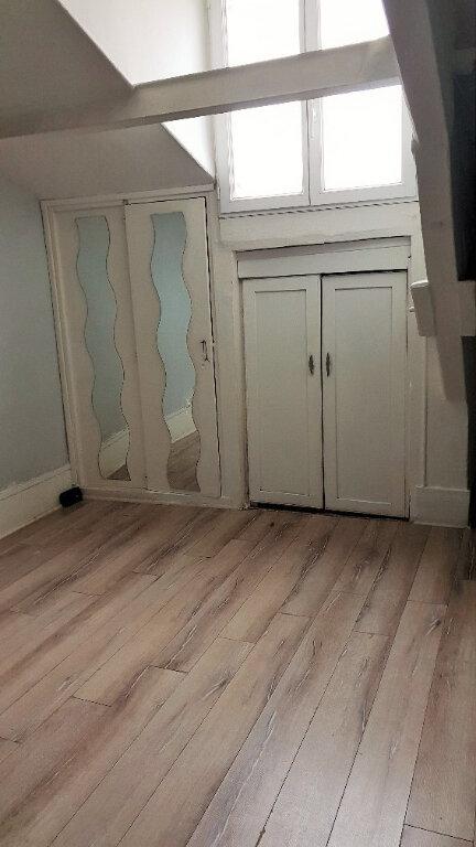 Appartement à vendre 1 17m2 à Saint-Denis vignette-2