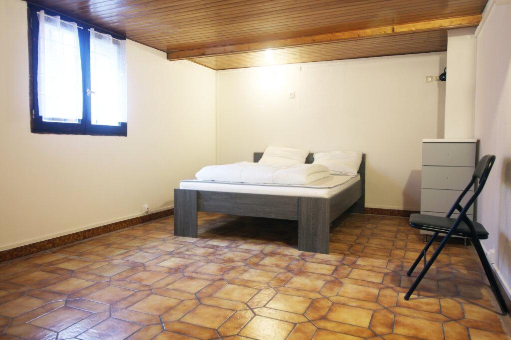 Appartement à louer 1 15m2 à Pierrefitte-sur-Seine vignette-1