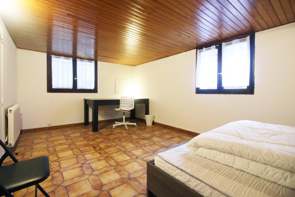 Appartement à louer 1 15m2 à Pierrefitte-sur-Seine vignette-2