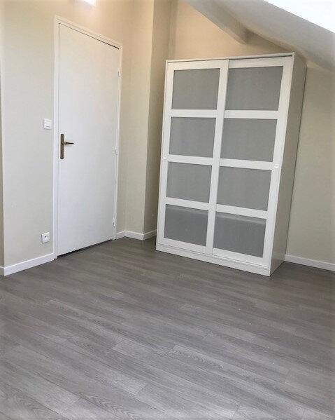 Appartement à louer 1 12m2 à Saint-Denis vignette-3