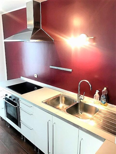 Appartement à louer 3 76.87m2 à Saint-Denis vignette-1