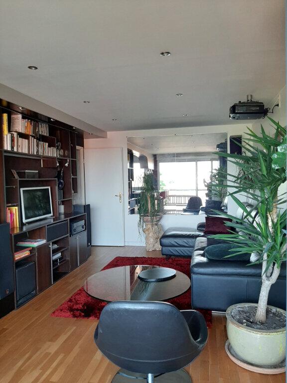Appartement à louer 3 65m2 à Aubervilliers vignette-2