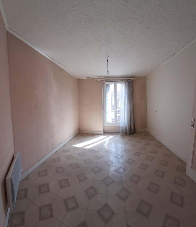 Appartement à louer 1 30m2 à Saint-Denis vignette-1