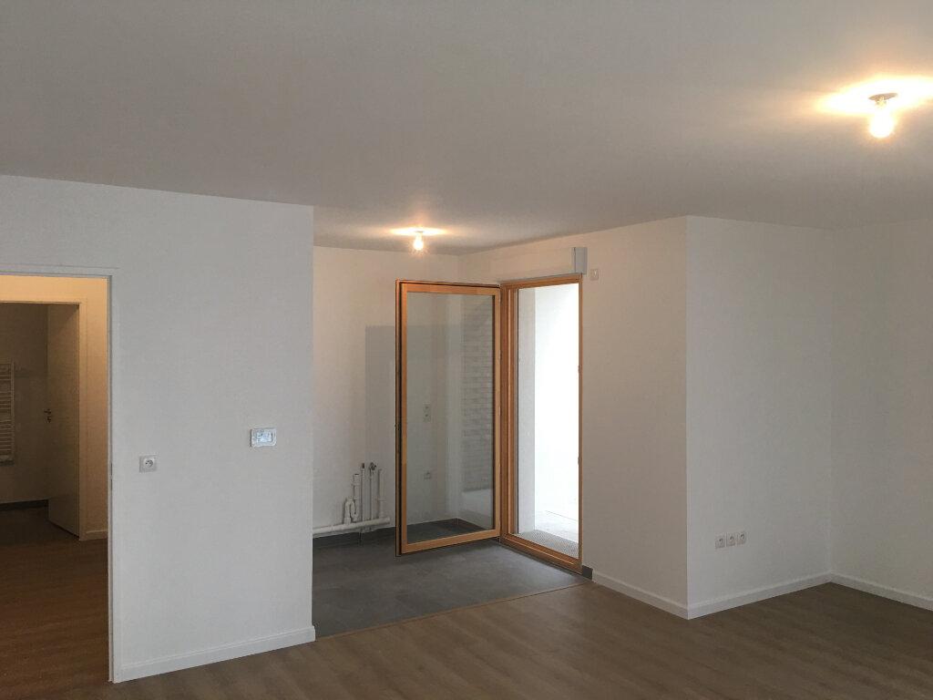 Appartement à louer 4 85m2 à Aubervilliers vignette-2