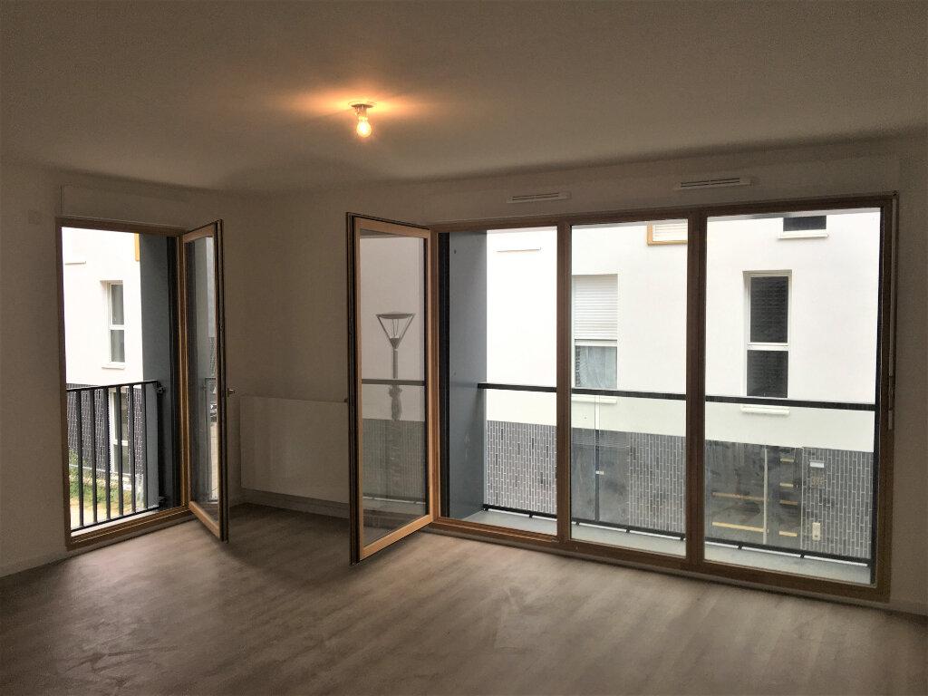 Appartement à louer 4 85m2 à Aubervilliers vignette-3