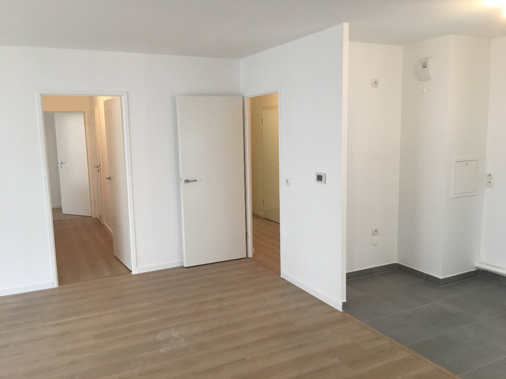 Appartement à louer 4 85m2 à Aubervilliers vignette-6