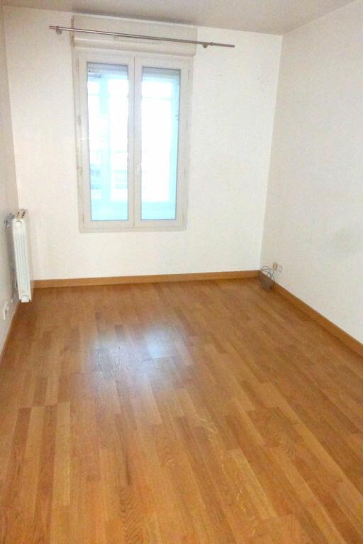 Appartement à vendre 2 44.2m2 à Saint-Denis vignette-1