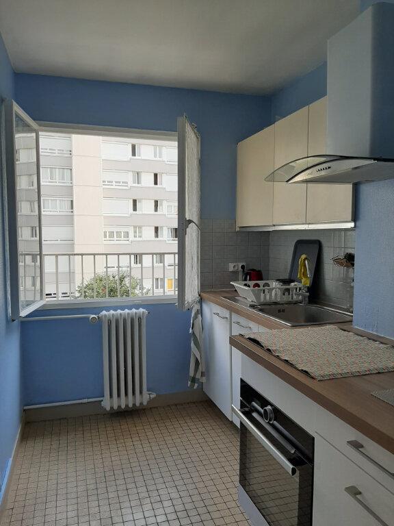 Appartement à louer 2 36m2 à Aubervilliers vignette-1
