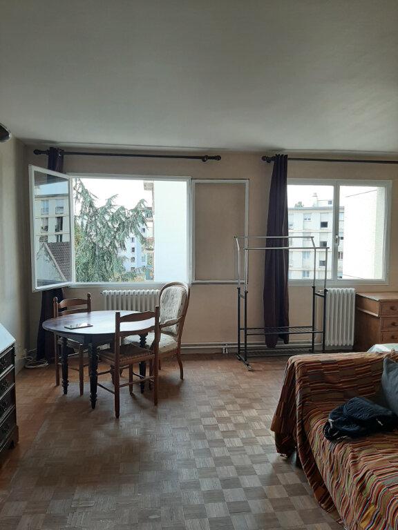 Appartement à louer 2 36m2 à Aubervilliers vignette-3