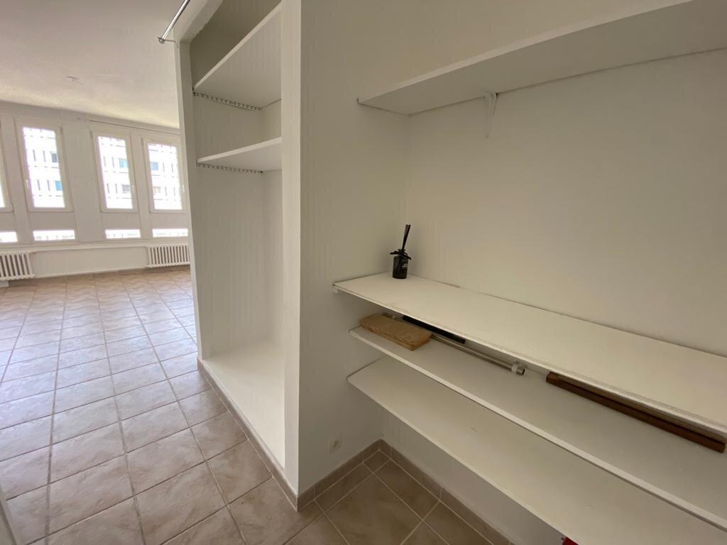 Appartement à louer 2 45m2 à Paris 19 vignette-4