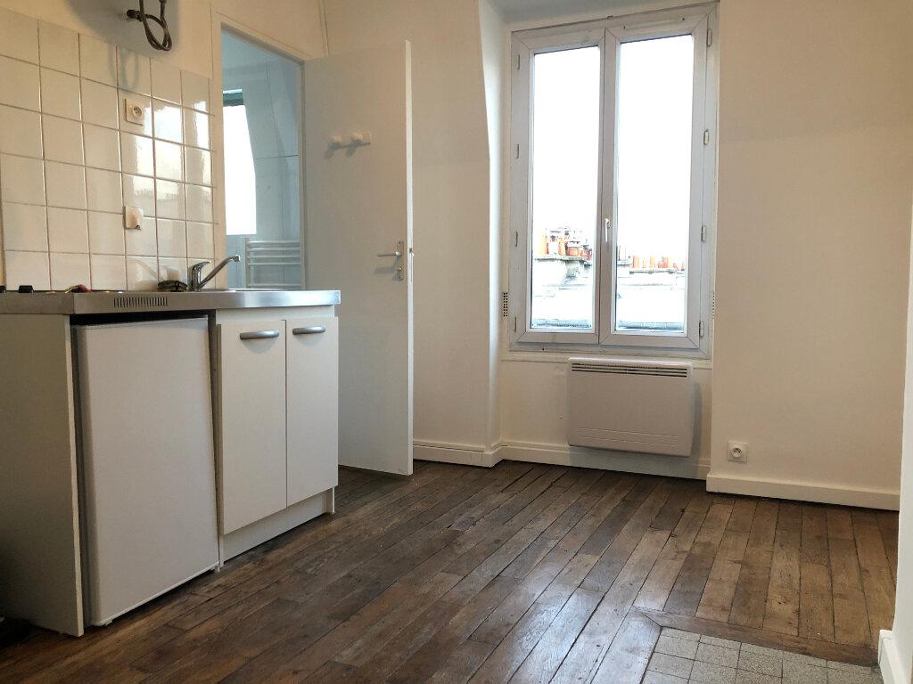 Appartement à louer 1 13m2 à Paris 17 vignette-2