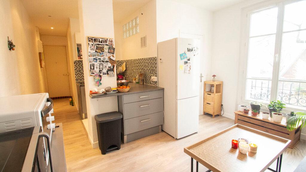Appartement à louer 2 37m2 à Saint-Denis vignette-3