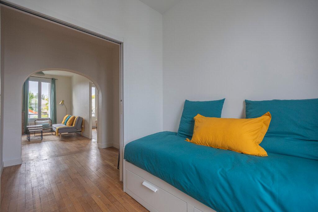 Appartement à louer 4 72m2 à Saint-Denis vignette-2