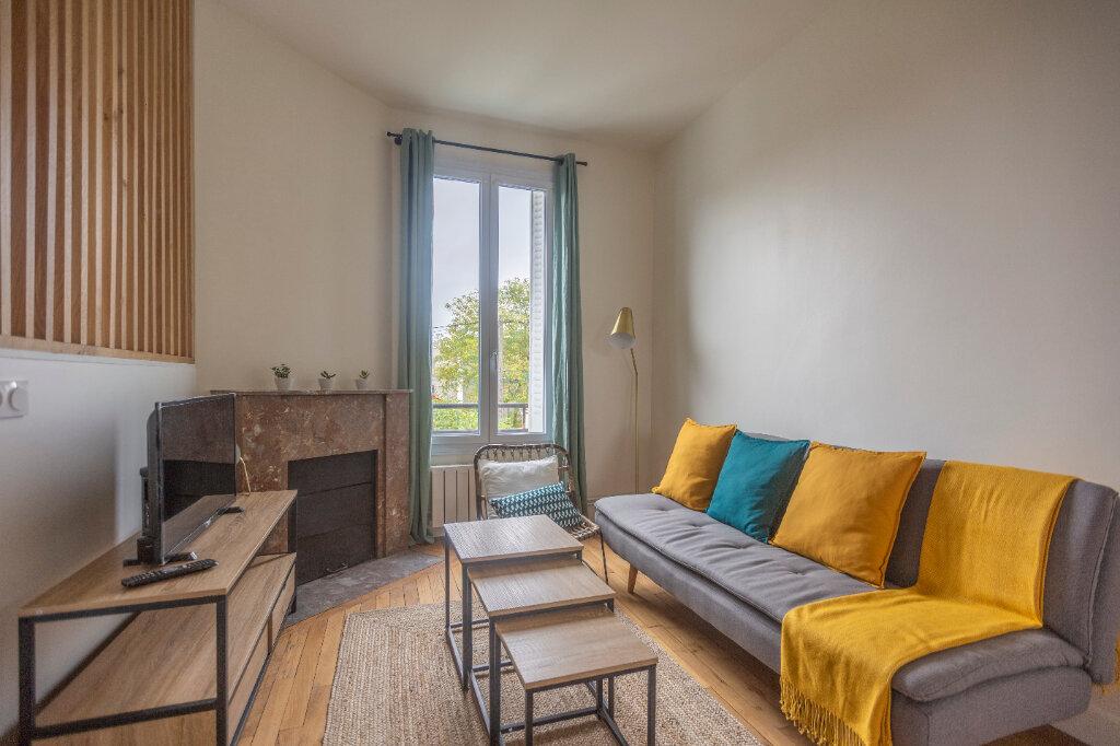 Appartement à louer 4 72m2 à Saint-Denis vignette-5