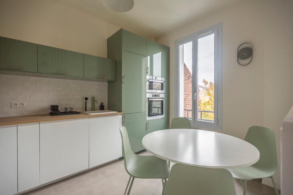 Appartement à louer 4 72m2 à Saint-Denis vignette-6