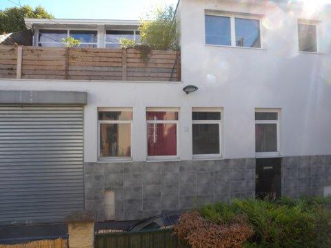 Appartement à louer 2 138m2 à L'Île-Saint-Denis vignette-6