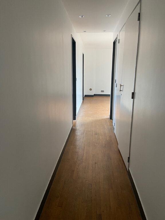 Appartement à louer 3 59m2 à Aubervilliers vignette-4