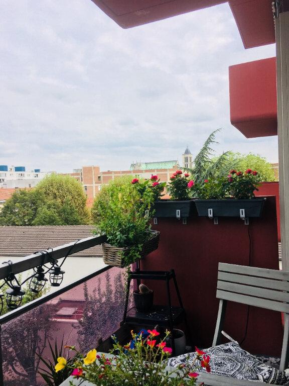 Appartement à louer 2 43m2 à Saint-Denis vignette-2