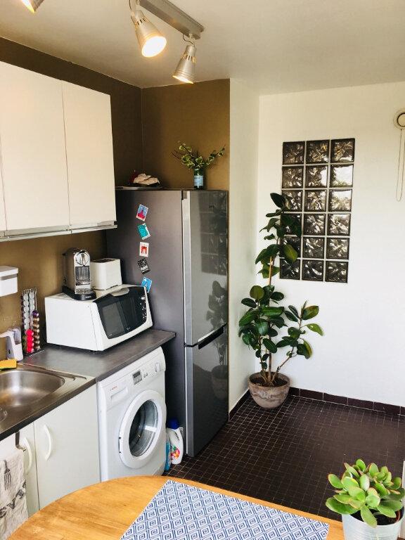 Appartement à louer 2 43m2 à Saint-Denis vignette-3