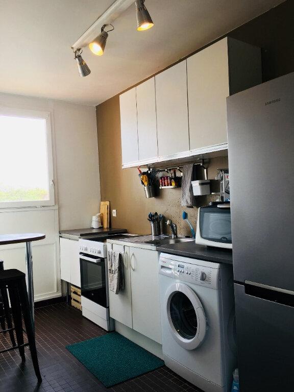 Appartement à louer 2 43m2 à Saint-Denis vignette-4