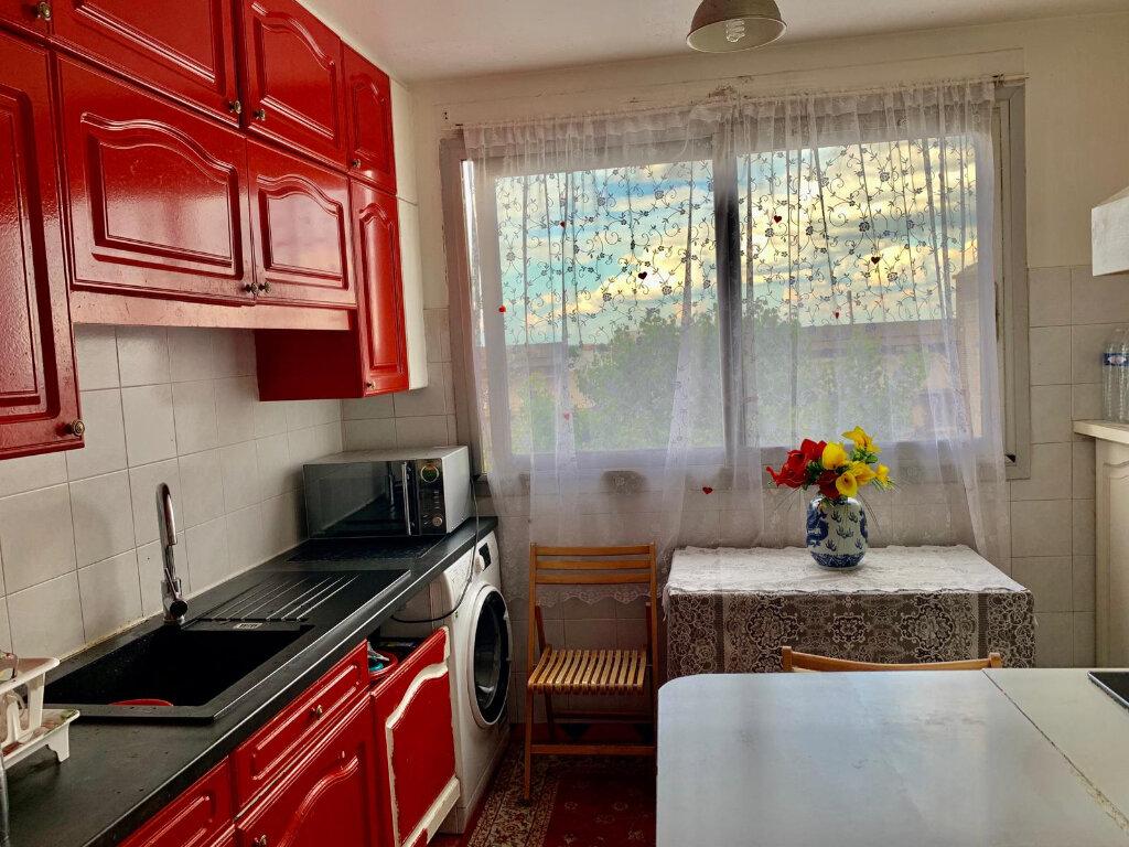 Appartement à vendre 4 81.76m2 à Aubervilliers vignette-3