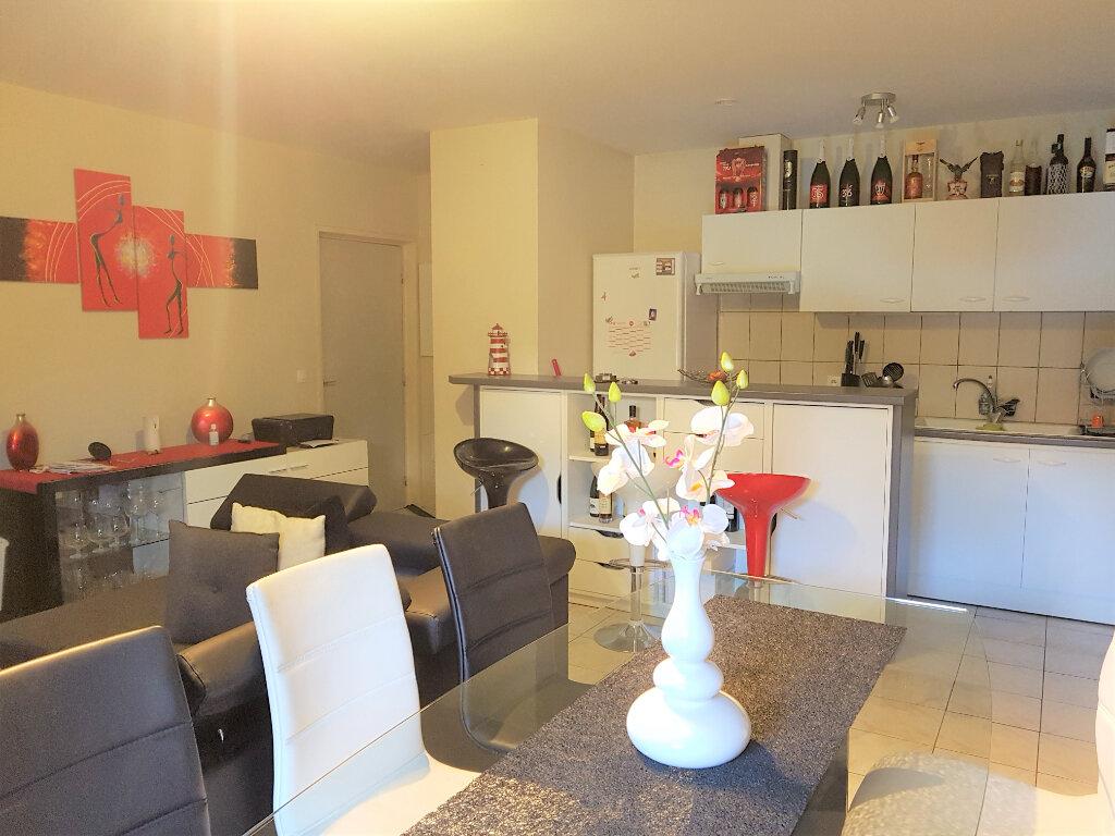 Appartement à louer 3 59m2 à Ozoir-la-Ferrière vignette-2