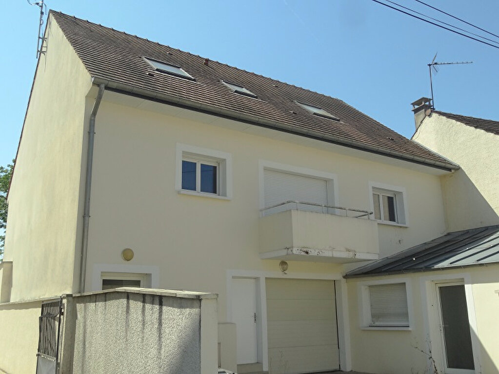 Appartement à louer 3 74m2 à Ozoir-la-Ferrière vignette-1