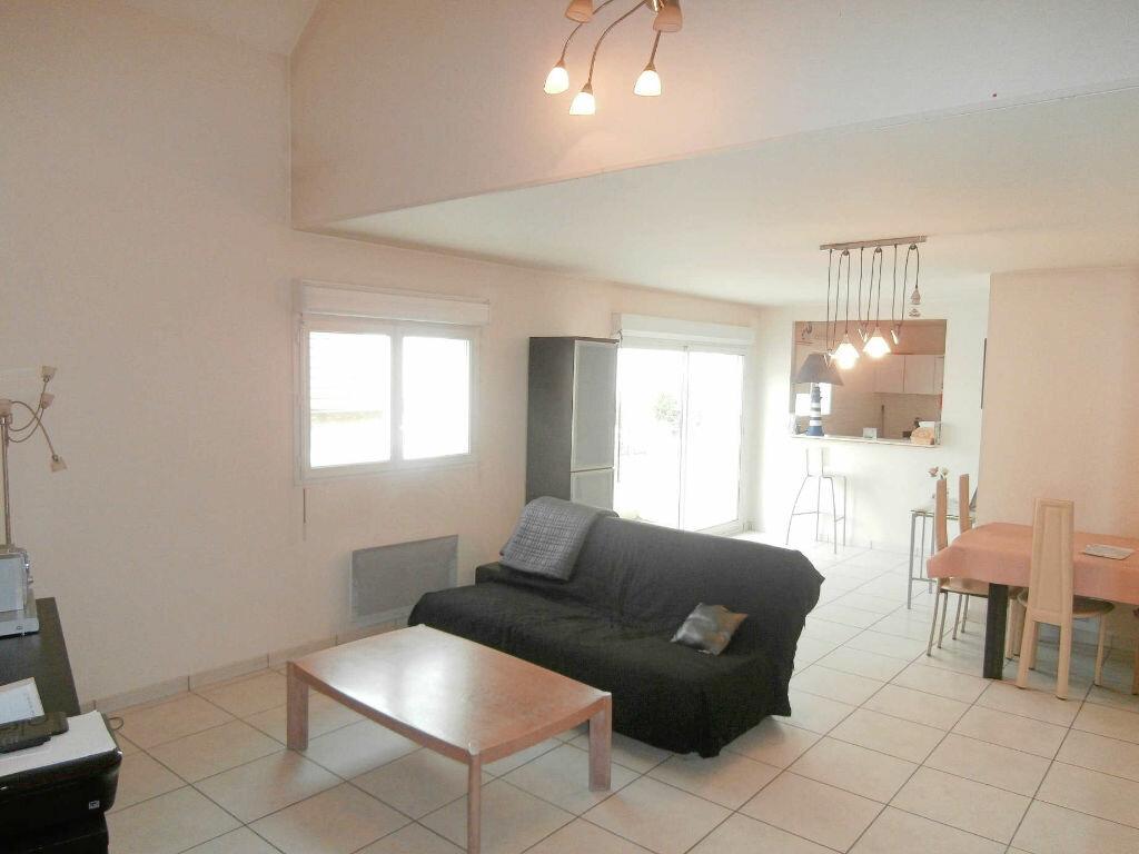 Appartement à louer 3 74m2 à Ozoir-la-Ferrière vignette-2