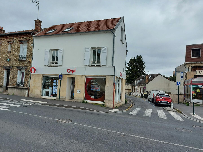 Appartement à louer 2 28m2 à Ozoir-la-Ferrière vignette-1
