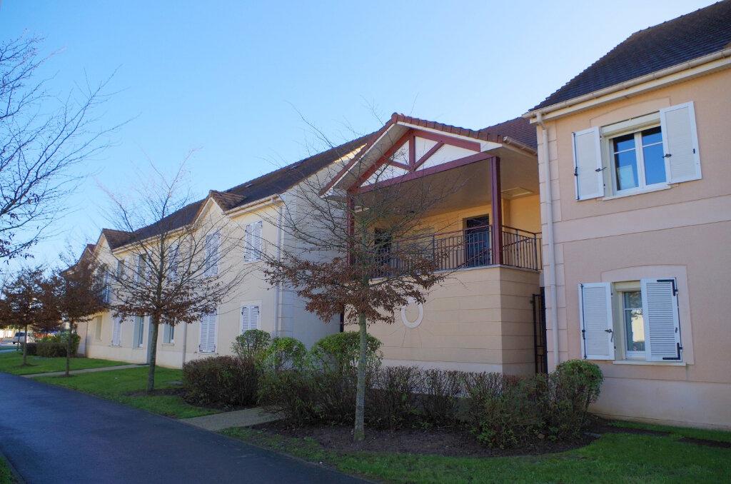Appartement à louer 2 43m2 à Roissy-en-Brie vignette-1