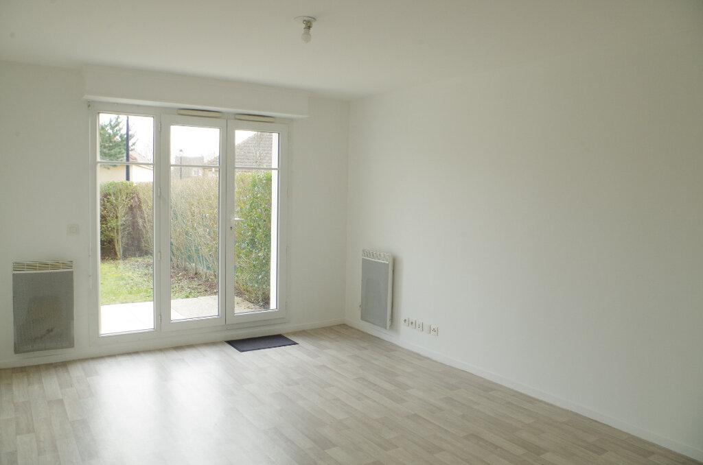 Appartement à louer 2 43m2 à Roissy-en-Brie vignette-2