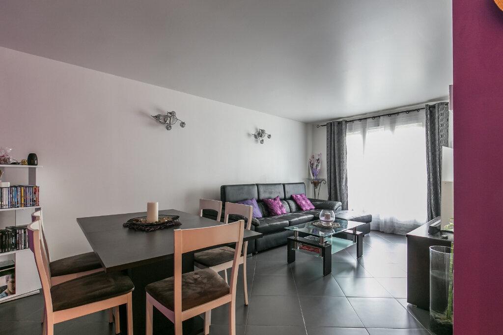 Appartement à vendre 3 61.11m2 à Roissy-en-Brie vignette-2