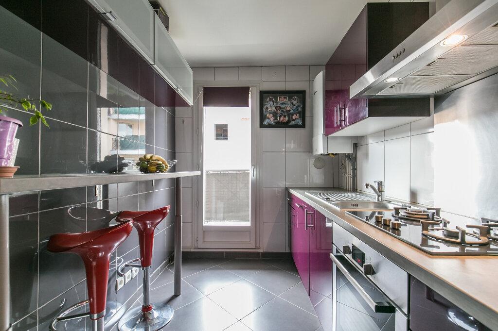 Appartement à vendre 3 61.11m2 à Roissy-en-Brie vignette-3