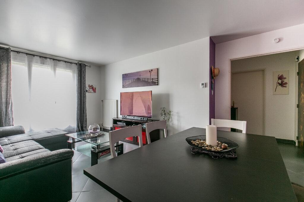 Appartement à vendre 3 61.11m2 à Roissy-en-Brie vignette-5
