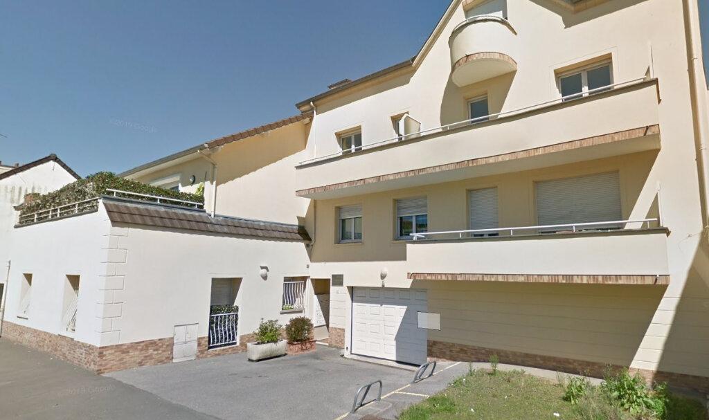 Appartement à louer 3 59m2 à Ozoir-la-Ferrière vignette-1